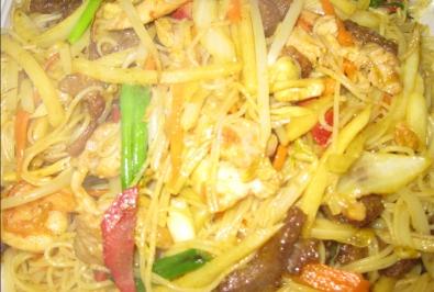 101. Singapore Chow Rice Noodles